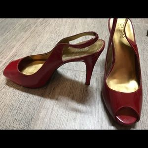 Guess red leather pumps size 8 in great condition